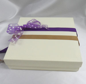medium square gift box