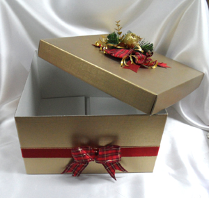 Large gift box gold