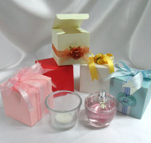 Small cube gift boxes